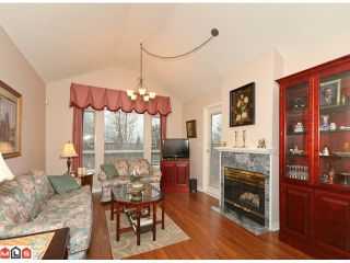 """Photo 2: 108 15550 26TH Avenue in Surrey: King George Corridor Townhouse for sale in """"SUNNYSIDE GATE"""" (South Surrey White Rock)  : MLS®# F1101384"""