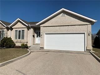 Photo 2: 42 2655 Main Street in Winnipeg: River Grove Condominium for sale (4E)  : MLS®# 202021117