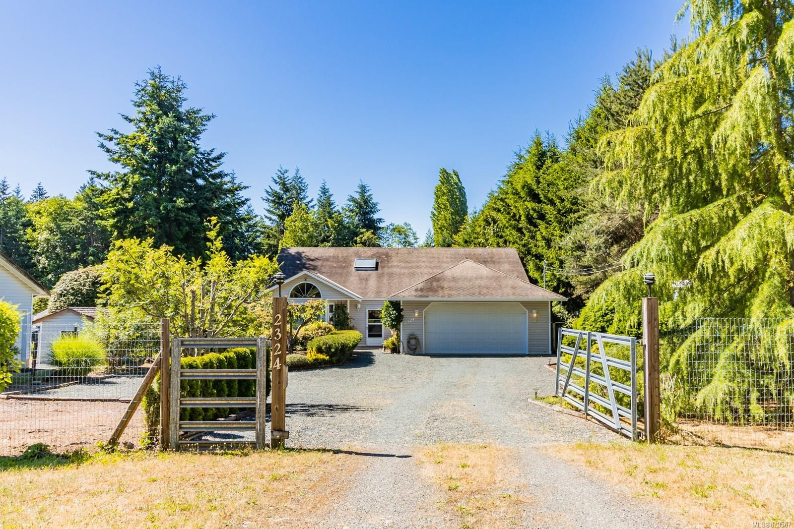 Main Photo: 2324 Nanoose Rd in : PQ Nanoose House for sale (Parksville/Qualicum)  : MLS®# 879567