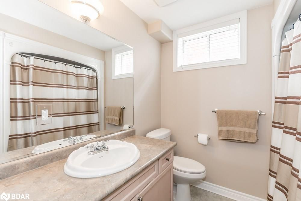 Photo 14: Photos: 28 KRAUS Road in Barrie: House for sale