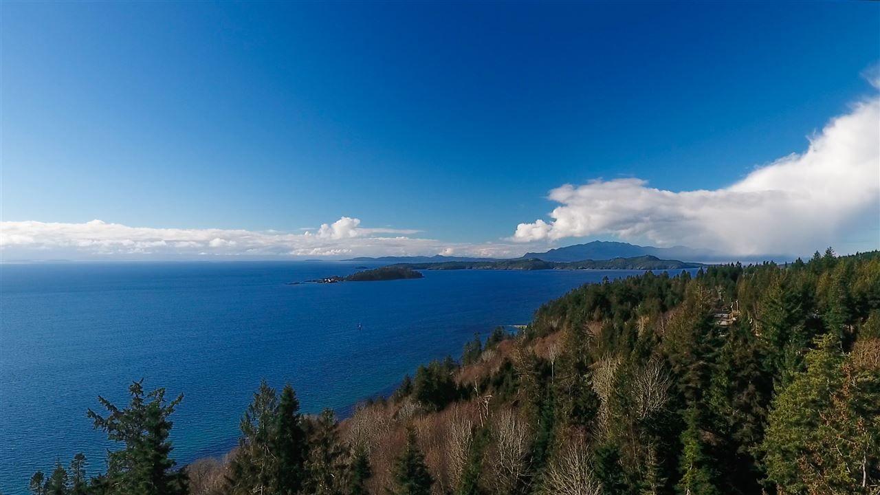 Main Photo: 7921 REDROOFFS ROAD in Halfmoon Bay: Halfmn Bay Secret Cv Redroofs House for sale (Sunshine Coast)  : MLS®# R2142709