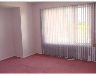 Photo 12: 135 APPLEGLEN Park SE in CALGARY: Applewood Residential Detached Single Family for sale (Calgary)  : MLS®# C3386324