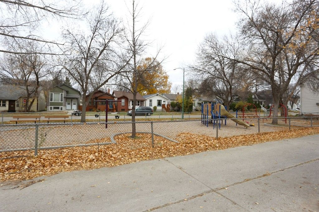 Photo 22: Photos: 626 Greenwood Place in Winnipeg: West End Duplex for sale (5C)  : MLS®# 1728014