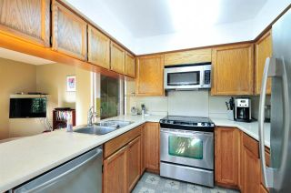 """Photo 9: 8895 FINCH Court in Burnaby: Forest Hills BN Townhouse for sale in """"PRIMROSE HILL"""" (Burnaby North)  : MLS®# R2061604"""