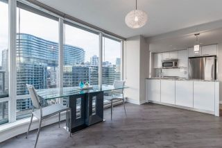 Photo 2: 1906 918 Cooperage Way in Vancouver: Yaletown Condo for sale (Vancouver West)  : MLS®# R2539627