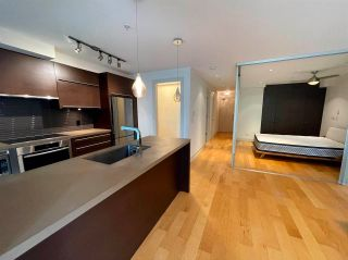 """Photo 4: 304 4463 W 10TH Avenue in Vancouver: Point Grey Condo for sale in """"West Point Grey"""" (Vancouver West)  : MLS®# R2567933"""