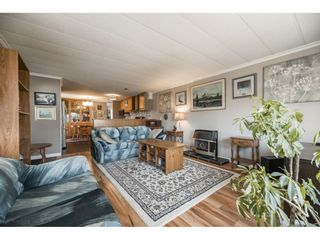 """Photo 6: 157 27111 0 Avenue in Langley: Aldergrove Langley Manufactured Home for sale in """"Pioneer Park"""" : MLS®# R2597222"""