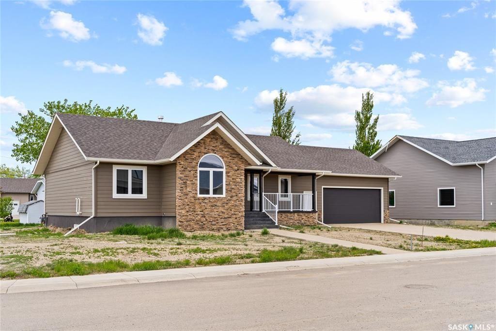 Main Photo: 44 Crescent Drive in Avonlea: Residential for sale : MLS®# SK831400
