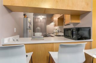 """Photo 5: 104 120 E 5TH Street in North Vancouver: Lower Lonsdale Condo for sale in """"CHELSEA MANOR"""" : MLS®# R2138540"""