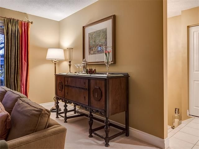 Photo 10: Photos: 7016 KENOSEE Place SW in Calgary: Kelvin Grove House for sale : MLS®# C4055215