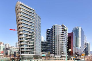 """Photo 1: 1210 68 SMITHE Street in Vancouver: Downtown VW Condo for sale in """"ONE Pacific"""" (Vancouver West)  : MLS®# R2405438"""