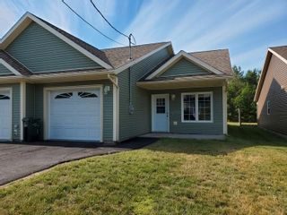 Photo 1: 600 Sampson Drive in Greenwood: 404-Kings County Residential for sale (Annapolis Valley)  : MLS®# 202115948