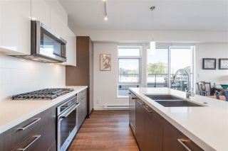 """Photo 12: 403 26 E ROYAL Avenue in New Westminster: Fraserview NW Condo for sale in """"The Royal"""" : MLS®# R2517695"""