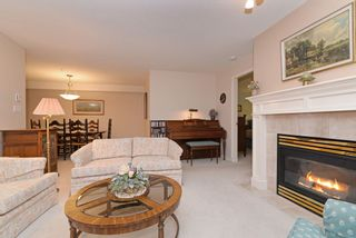 """Photo 4: 110 1140 STRATHAVEN Drive in North Vancouver: Northlands Condo for sale in """"Strathaven"""" : MLS®# R2178970"""