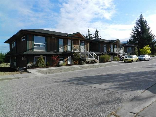 Main Photo: 3 5778 MARINE Way in Sechelt: Sechelt District Condo for sale (Sunshine Coast)  : MLS®# R2567290