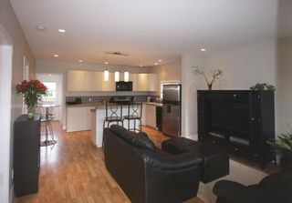 Photo 9: 410 Walter Ave in Victoria: Residential for sale : MLS®# 283473