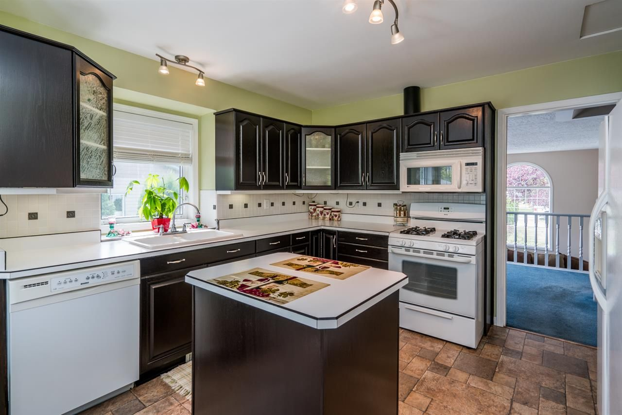 """Photo 9: Photos: 1726 SOMMERVILLE Road in Prince George: North Blackburn House for sale in """"SOMMERVILLE"""" (PG City South East (Zone 75))  : MLS®# R2102795"""