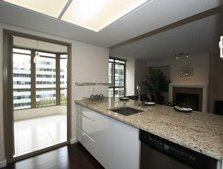 Photo 3: FABULOUS RENOVATED UNIT!
