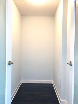"""Photo 6: 1403 10777 UNIVERSITY Drive in Surrey: Whalley Condo for sale in """"CITY POINT"""" (North Surrey)  : MLS®# R2622081"""