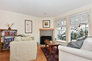 """Photo 2: 106 2588 ALDER Street in Vancouver: Fairview VW Condo for sale in """"BOLLERT PLACE"""" (Vancouver West)  : MLS®# R2429460"""