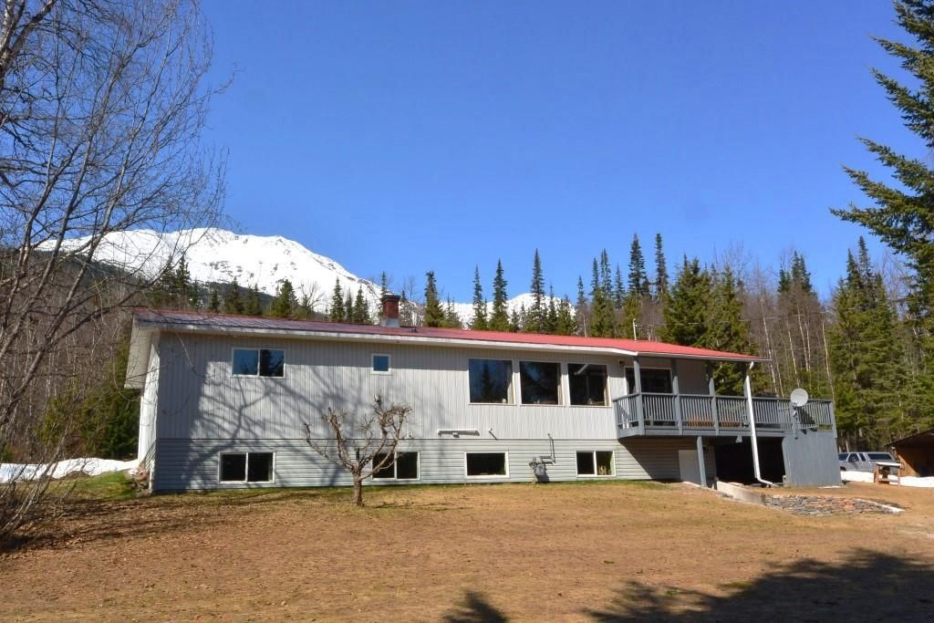 Main Photo: 3805 NIELSEN Road in Smithers: Smithers - Rural House for sale (Smithers And Area (Zone 54))  : MLS®# R2573908
