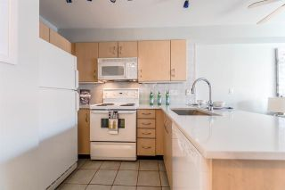 """Photo 5: 311 332 LONSDALE Avenue in North Vancouver: Lower Lonsdale Condo for sale in """"The Calypso"""" : MLS®# R2214672"""
