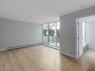 """Photo 7: 221 1783 MANITOBA Street in Vancouver: False Creek Condo for sale in """"Residences at West"""" (Vancouver West)  : MLS®# R2055907"""