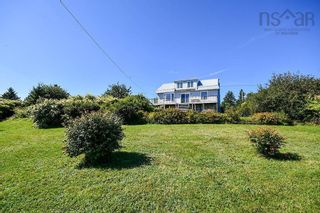 Photo 2: 14 School Road in Ketch Harbour: 9-Harrietsfield, Sambr And Halibut Bay Residential for sale (Halifax-Dartmouth)  : MLS®# 202123716