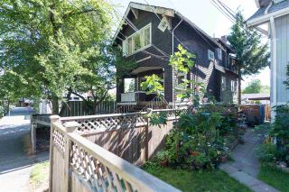 Photo 1: 2528 MACKENZIE Street in Vancouver: Kitsilano House for sale (Vancouver West)  : MLS®# R2082726