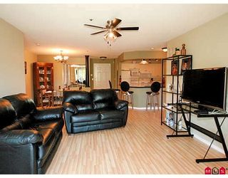"Photo 5: 101 5556 201A Street in Langley: Langley City Condo for sale in ""MICHAUD GARDENS"" : MLS®# F2822455"