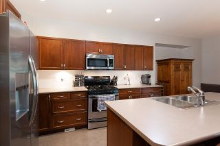 """Photo 9: 28 ALDER Drive in Port Moody: Heritage Woods PM House for sale in """"FOREST EDGE"""" : MLS®# R2564780"""