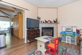 Photo 10: 9320/9316 Lochside Dr in : NS Bazan Bay House for sale (North Saanich)  : MLS®# 886022