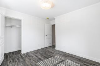 """Photo 18: 23 2303 CRANLEY Drive in Surrey: King George Corridor Manufactured Home for sale in """"Sunnyside Estates"""" (South Surrey White Rock)  : MLS®# R2550516"""