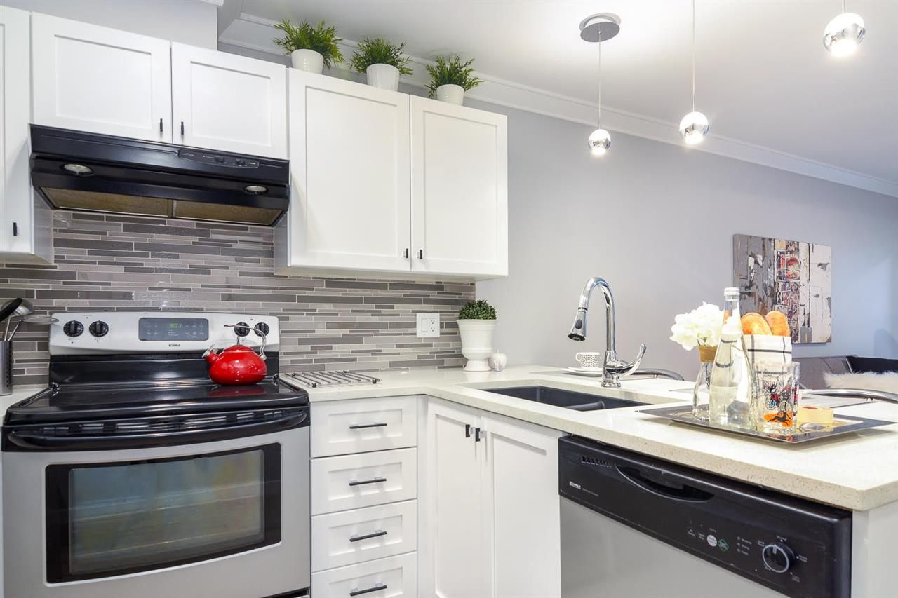 """Main Photo: 209 4989 DUCHESS Street in Vancouver: Collingwood VE Condo for sale in """"ROYAL TERRACE"""" (Vancouver East)  : MLS®# R2158761"""