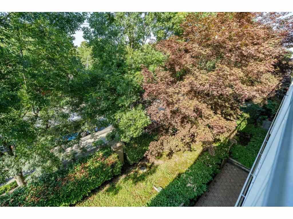"""Photo 20: Photos: 303 19750 64 Avenue in Langley: Willoughby Heights Condo for sale in """"Davenport"""" : MLS®# R2480874"""