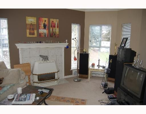 "Photo 3: Photos: 213 12464 191B Street in Pitt Meadows: Mid Meadows Condo for sale in ""LASEUR MANOR"" : MLS®# V640906"
