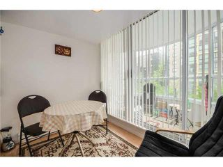 "Photo 17: 202 717 JERVIS Street in Vancouver: West End VW Condo for sale in ""EMERALD WEST"" (Vancouver West)  : MLS®# R2541468"