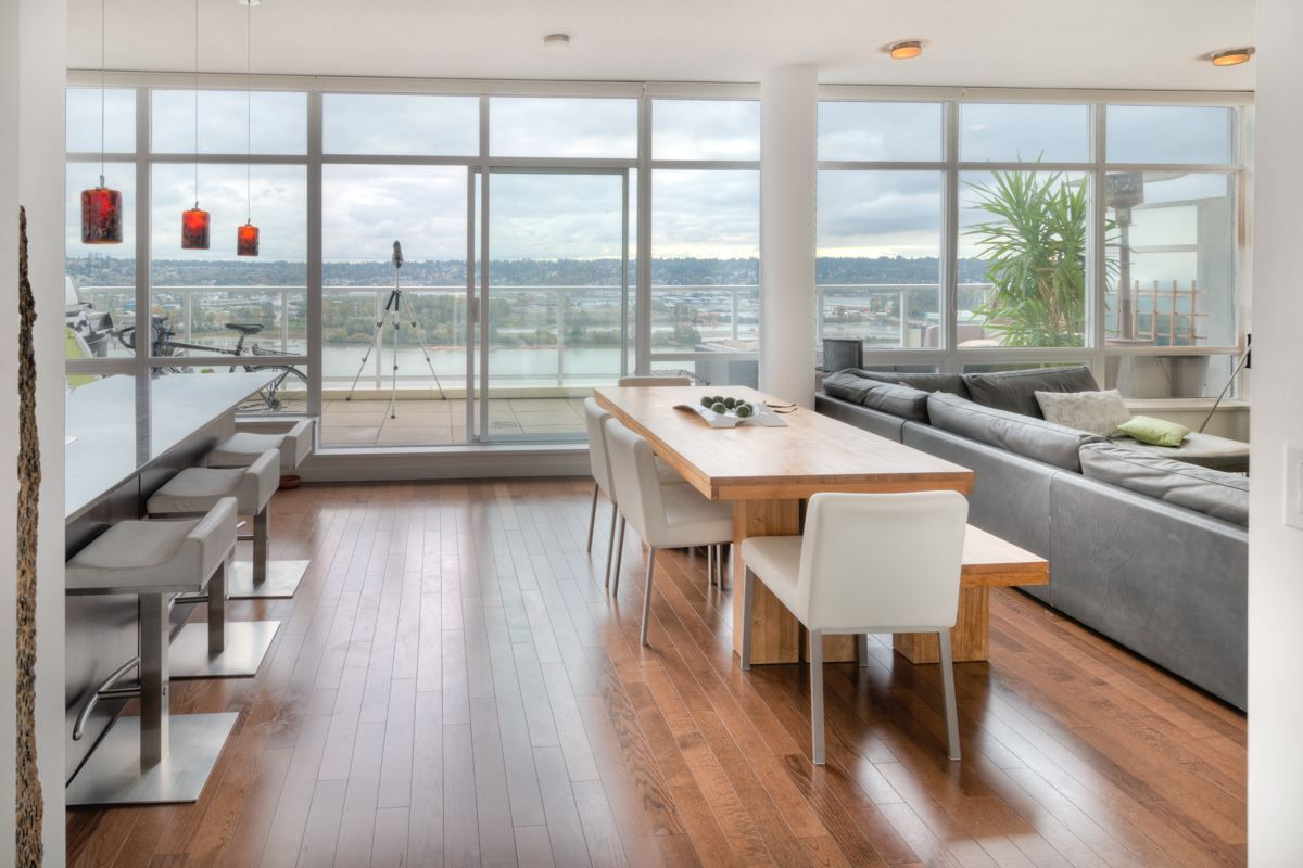 """Main Photo: PH4 39 SIXTH Street in New Westminster: Downtown NW Condo for sale in """"QUANTUM"""" : MLS®# R2008758"""