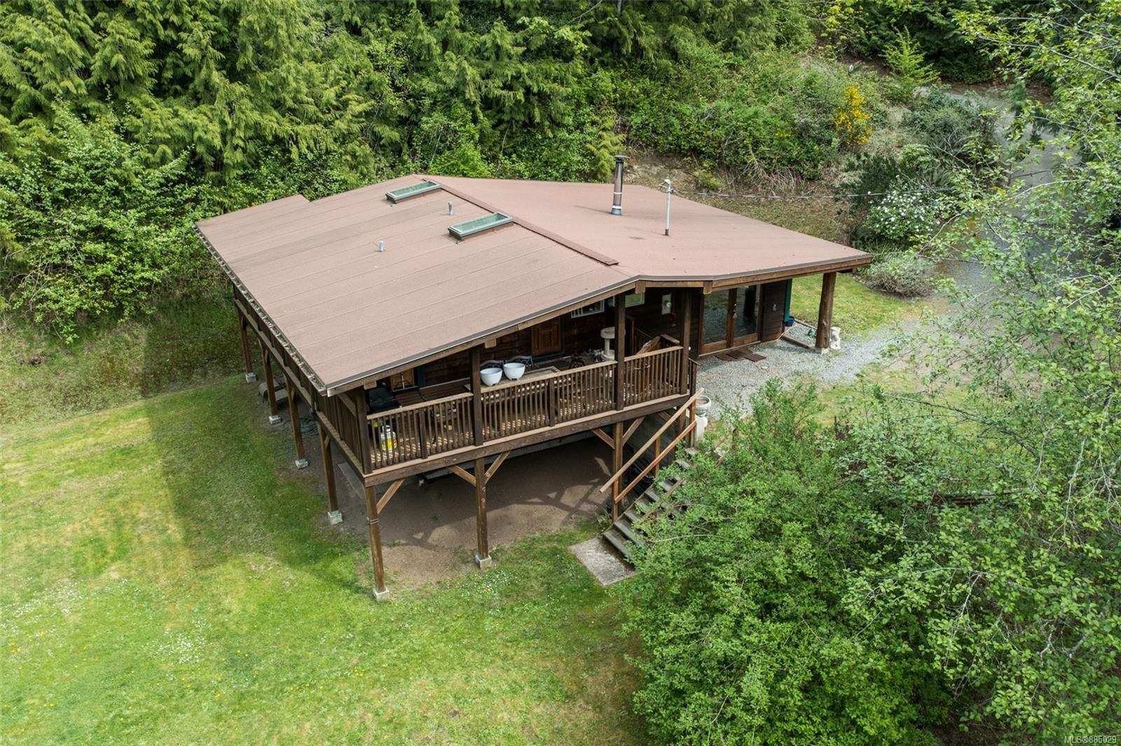 Main Photo: A 567 Windthrop Rd in : Co Latoria House for sale (Colwood)  : MLS®# 885029