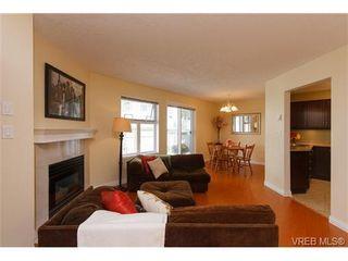 Photo 3: 109 3010 Washington Ave in VICTORIA: Vi Burnside Condo for sale (Victoria)  : MLS®# 651712
