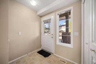 Photo 3: 38 Eversyde Common SW in Calgary: Evergreen Row/Townhouse for sale : MLS®# A1144628