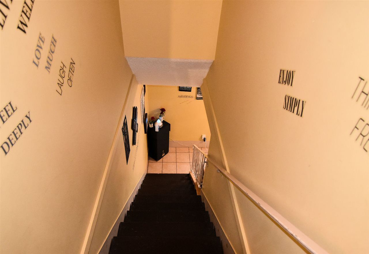 Photo 15: Photos: 1621 KING GEORGE Boulevard in Surrey: King George Corridor 1/2 Duplex for sale (South Surrey White Rock)  : MLS®# R2461955