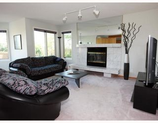 Photo 4: 52 KEELEGATE Place in WINNIPEG: St Vital Residential for sale (South East Winnipeg)  : MLS®# 2915677