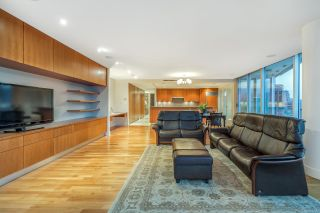 Photo 6: 2102 1077 W CORDOVA Street in Vancouver: Coal Harbour Condo for sale (Vancouver West)  : MLS®# R2293394