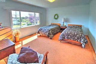 Photo 11: 3016 Henderson Rd in VICTORIA: OB Henderson House for sale (Oak Bay)  : MLS®# 840987