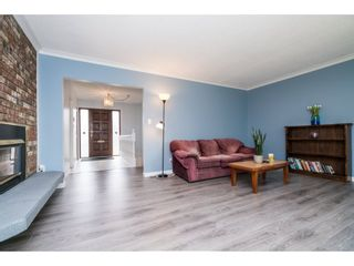 "Photo 3: 33232 PLAXTON Crescent in Abbotsford: Central Abbotsford House for sale in ""Mill Lake area"" : MLS®# R2156043"
