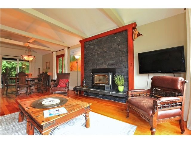 Photo 6: Photos: 2550 SECHELT Drive in North Vancouver: Blueridge NV House for sale : MLS®# V965349