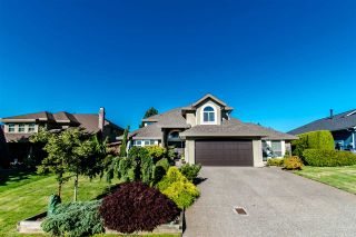 """Photo 3: 5863 188A Street in Surrey: Cloverdale BC House for sale in """"Rosewood"""" (Cloverdale)  : MLS®# R2494809"""