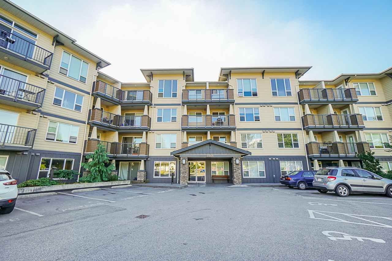 "Main Photo: 320 2565 CAMPBELL Avenue in Abbotsford: Central Abbotsford Condo for sale in ""ABACUS UPTOWN"" : MLS®# R2492923"