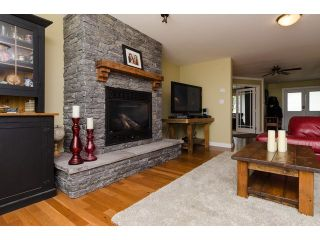 Photo 5: 15268 21A Ave in Surrey: Home for sale
